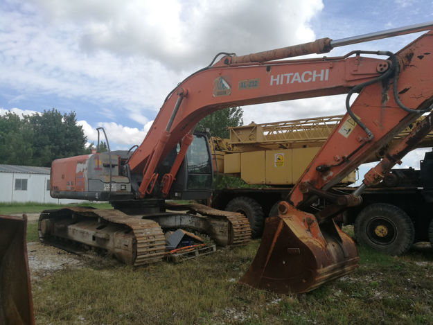 Picture of HITACHI ZX280LCH-3 BackHoe Excavator