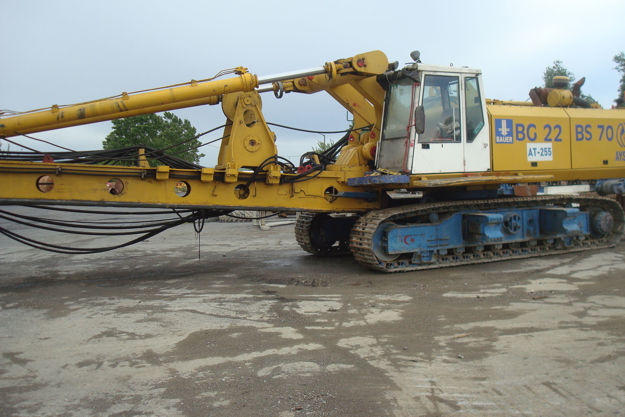 Picture of BAUER	BG22 ROTARY DRILLING